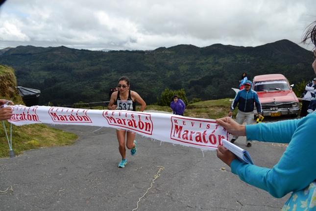 Rubi Riativa ganadora del Ascenso Cerro Guadalupe 2013.