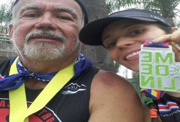 Con sandalias inspiradas en los Indios Tarahumara un atleta correrá la Maratón de las Flores