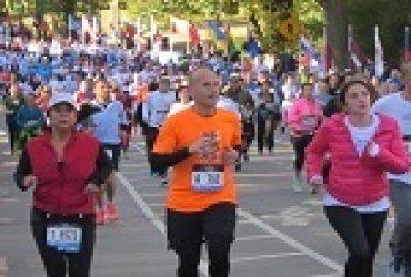 Atleta de la maratón de las Flores fue atropellado por un vehículo durante la carrera