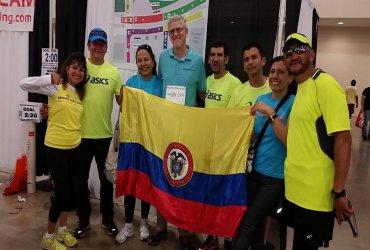 Por primera vez en la historia un equipo de pacers colombianos corrió en la maratón de Miami