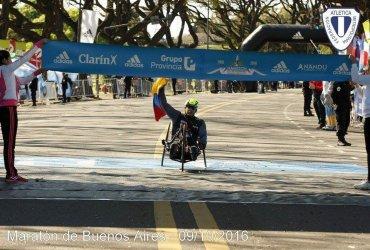 La historia del colombiano Francisco Sanclemente, campeón en la maratón de Buenos Aires