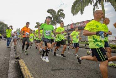 """Una """"Cinta Verde"""" se tomó a Pereira con motivo de la III edición de la carrera """"5k Correr es vivir Tena"""""""