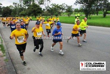 Miles de atletas en la Carrera de los Héroes en Bogotá