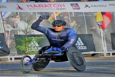 Francisco Sanclemente repite victoria en la Maratón de Buenos Aires