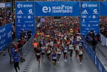Más de 4000 atletas completaron los 42k de la maratón de Santiago