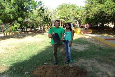 Atleta colombiano correrá la maratón de Medellin con un árbol en su espalda