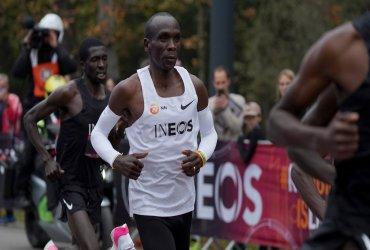 Eliud Kipchoge rompe la barrera de las dos horas en la maratón