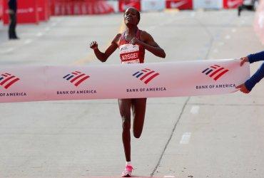 Se establece nuevo récord mundial de maratón femenino en Chicago
