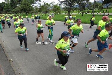 Miles de corredores en la Carrera por la Policia en Bogotá