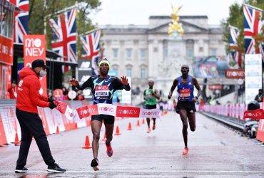 Etiopia y Kenia se quedan con el título de la maratón de Londres 2020