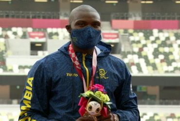 José Gregorio Lemos gana medalla de bronce en salto largo T38 en Tokio